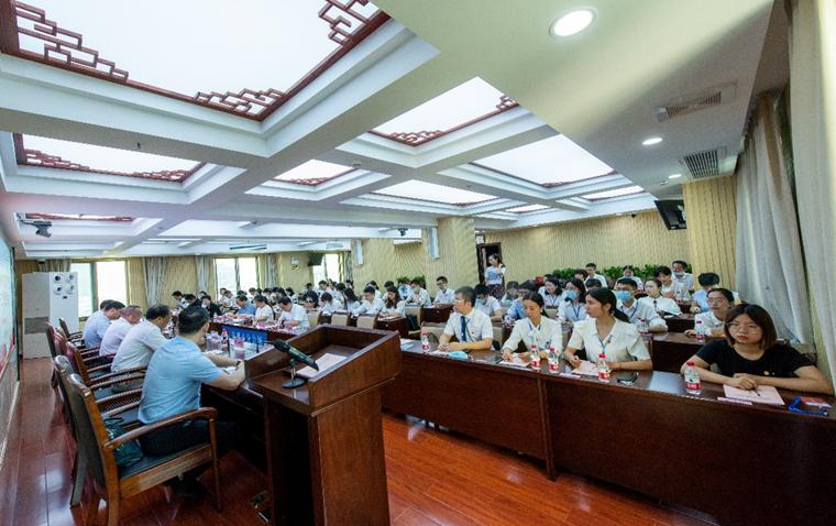 市司法局举行共青团株洲市律师行业第一次代表大会暨青年骨干律师培训班开班仪式